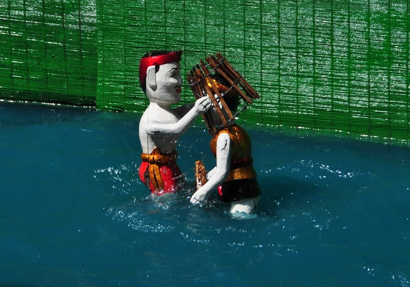 dec 20 2304 water puppets