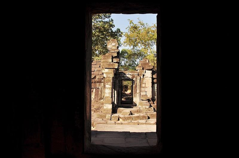 dec 23 2559 temple window