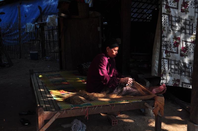 dec 24 2906 fish net weaving