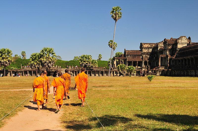dec 24 4565 temple monks