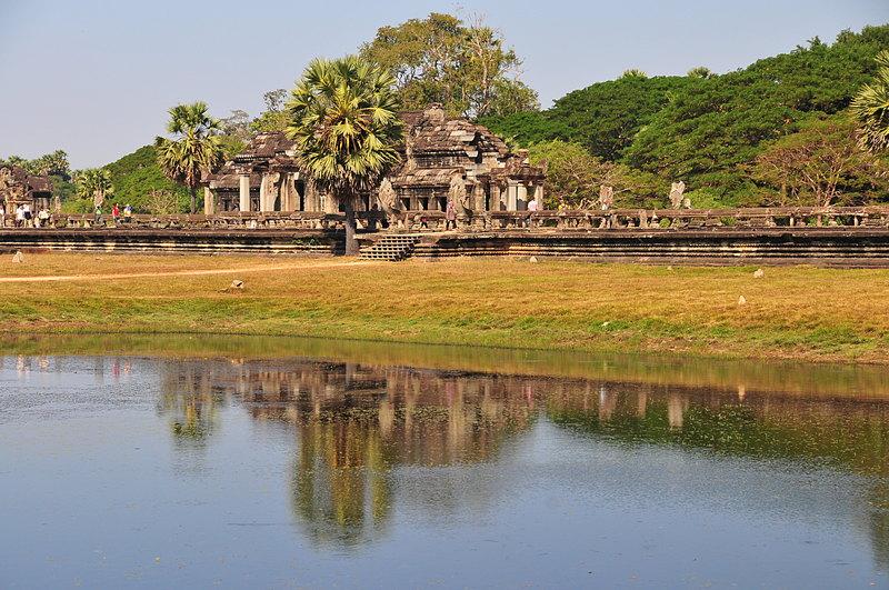 dec 24 4571 temple reflections