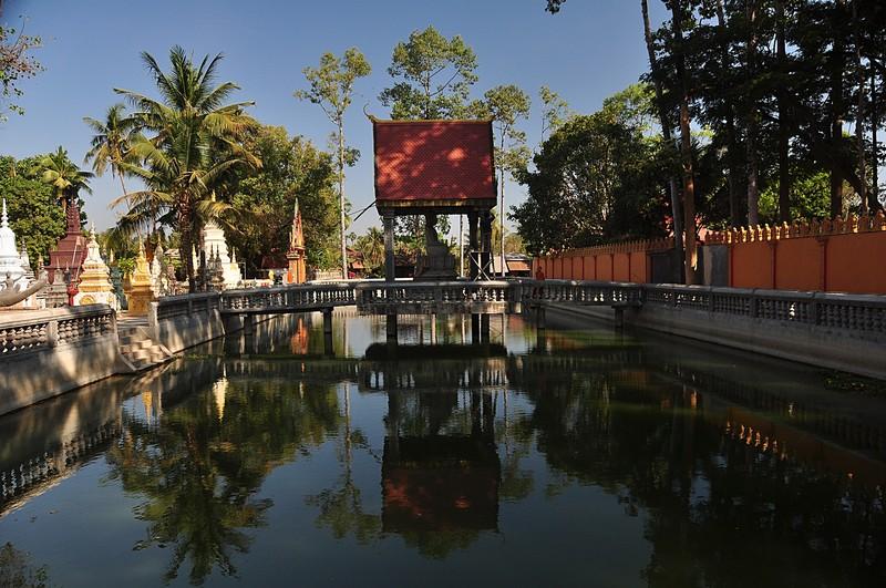 dec 25 3601 temple reflections