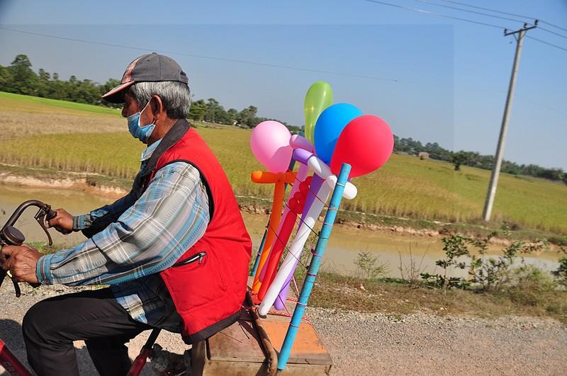dec 25 3642 balloon man