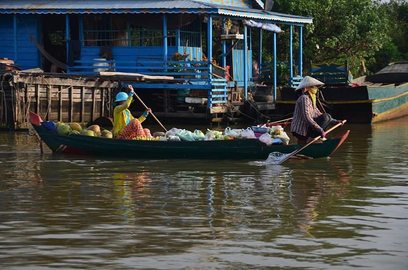 dec 25 9240 floating market