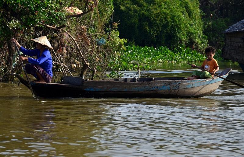 dec 25 9443 paddle boat
