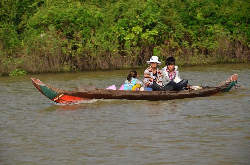 dec 25 9474 boat family