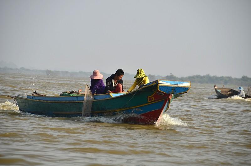 dec 25 9486 fishing boat