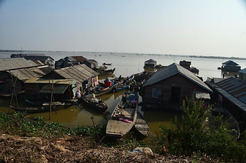 dec 25 9504 boat village