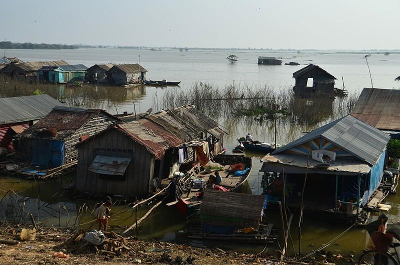 dec 25 9511 boat village