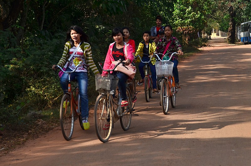 dec 25 9588 girls bicycling