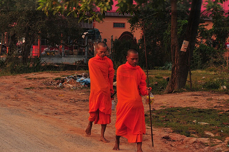 dec 25 9737 morning monks