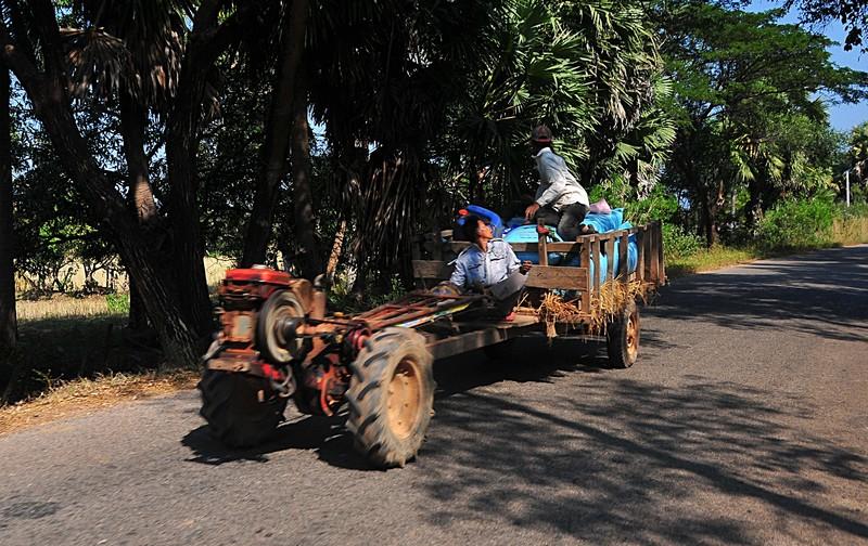 dec 25 9977 hauling rice
