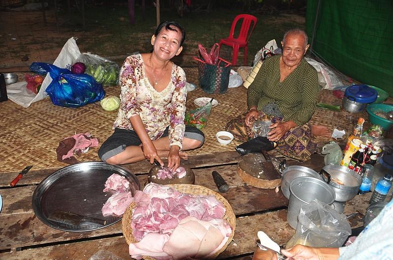 dec 26 3862 cutting chicken