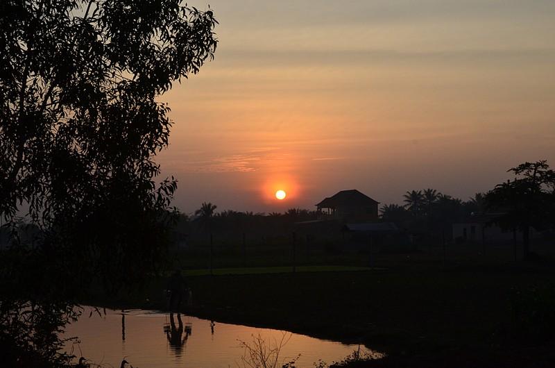 dec 27 0562 sunrise water man