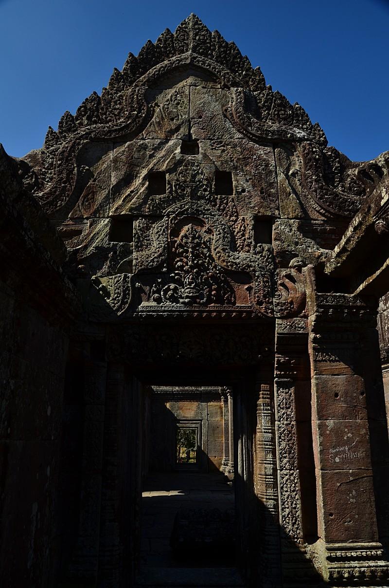 dec 27 0873 temple carving