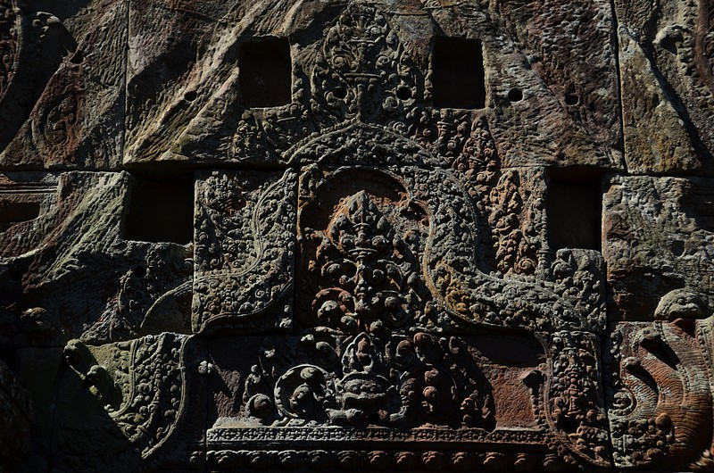 dec 27 0881 temple carving