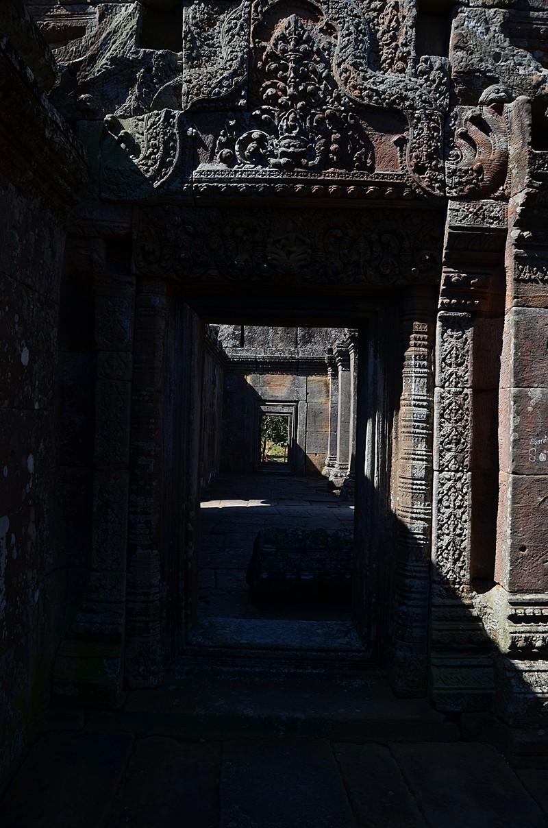 dec 27 0894 temple doors