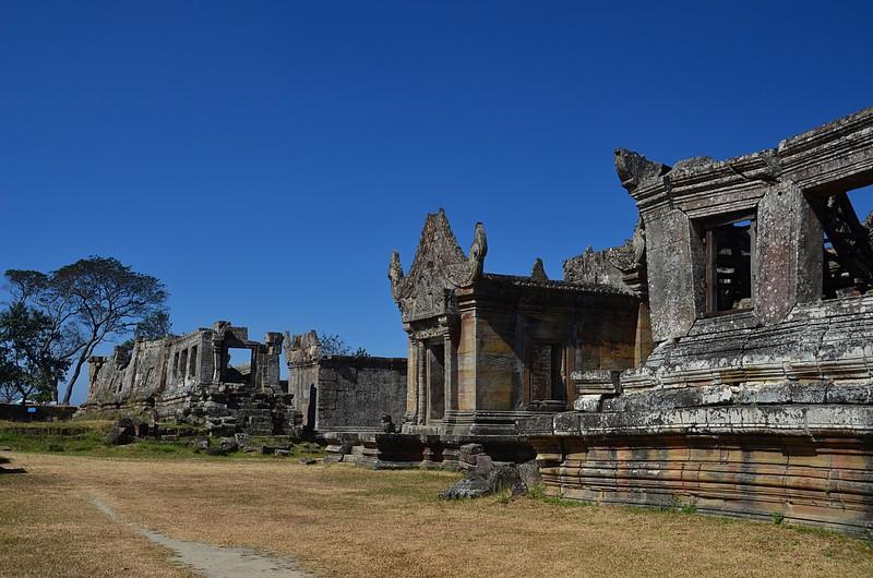 dec 27 0965 temple grounds
