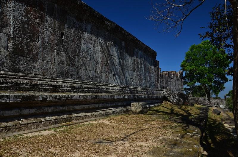 dec 27 0986 temple wall