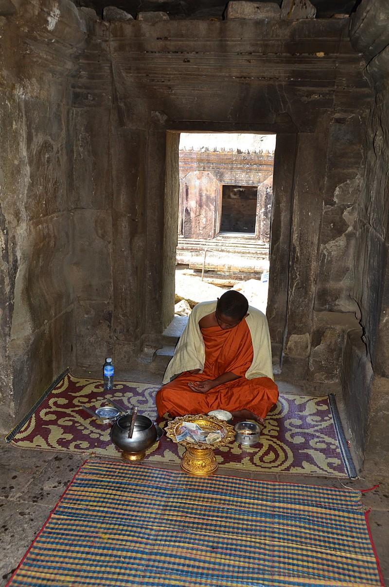 dec 27 1082 monk doors