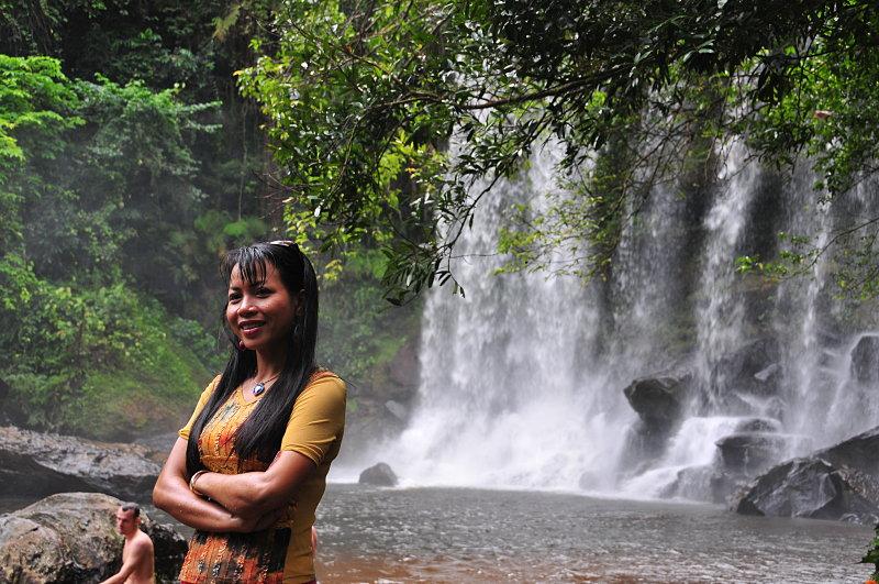 dec_27_5987_waterfall_smile.jpg