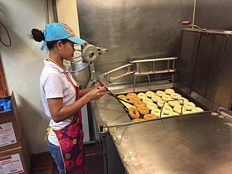 feb 02 6976 frying donuts