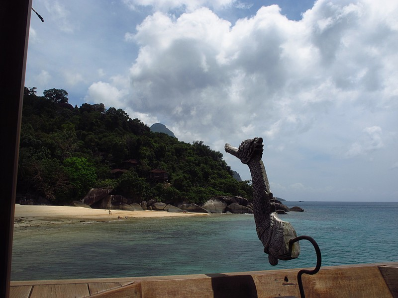 feb 05 2517 seahorse sculpture