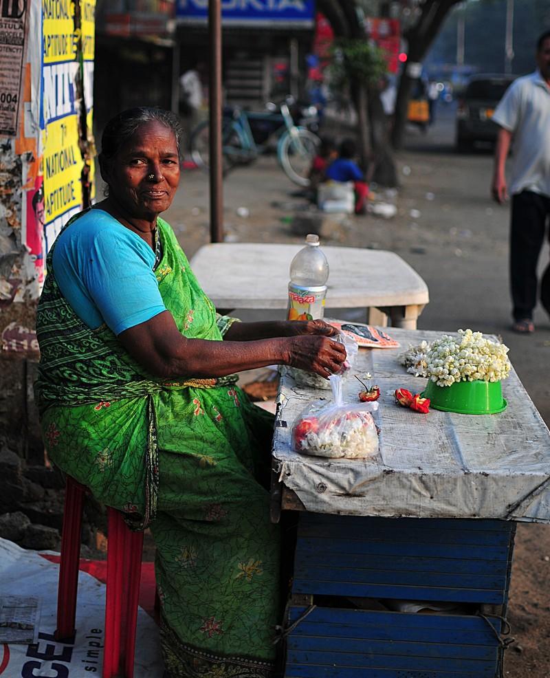 feb 05 6575 flower lady