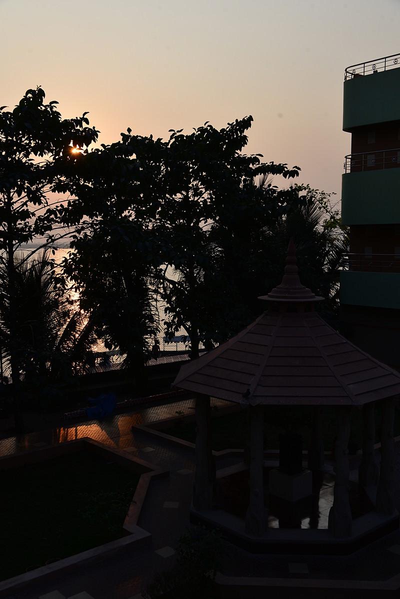 feb 10 8718 temple sunset