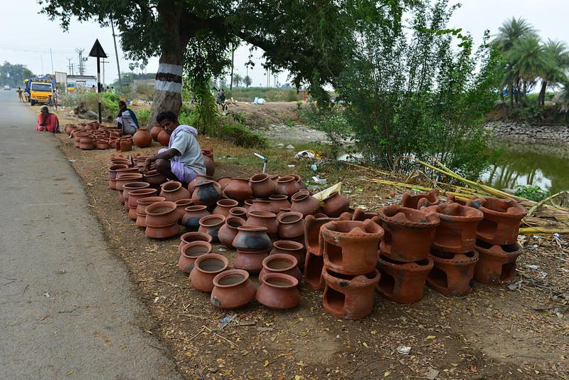 feb 16 0927 pottery fire pots