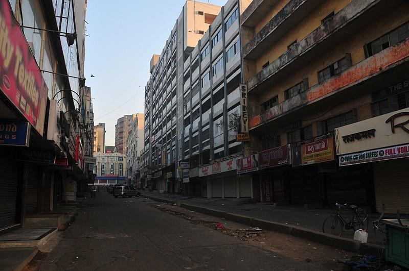 jan 08 1701 empty street