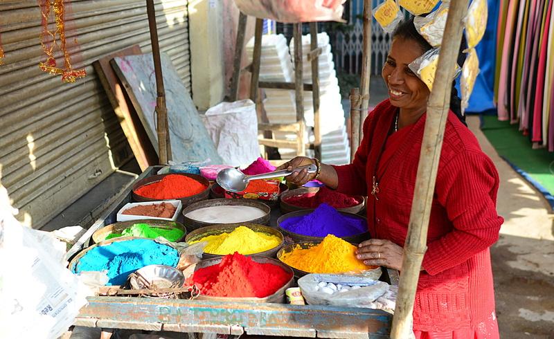 jan 12 6437 colored powder lady