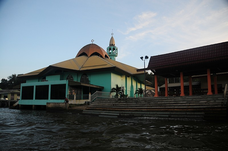jan 22 4652 water mosque