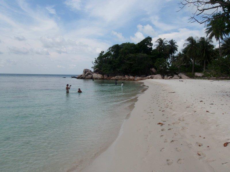 jul 04 0737 beach