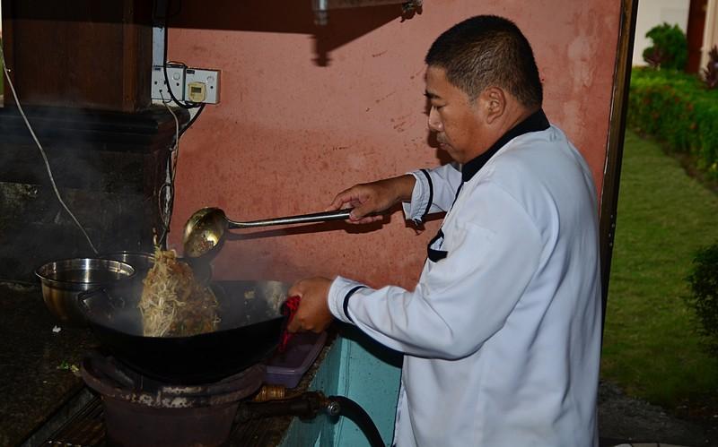jul 08 0053 preparing fried kway tou