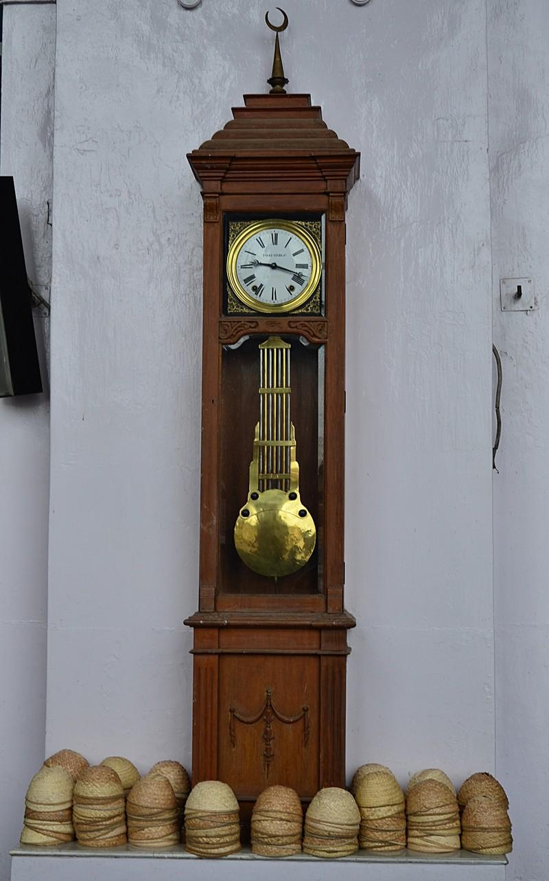 jul 31 2304 100 yr clock