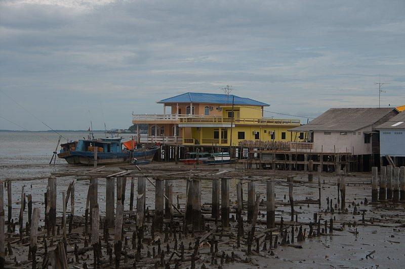 jun 08 4642 low tide fisherman