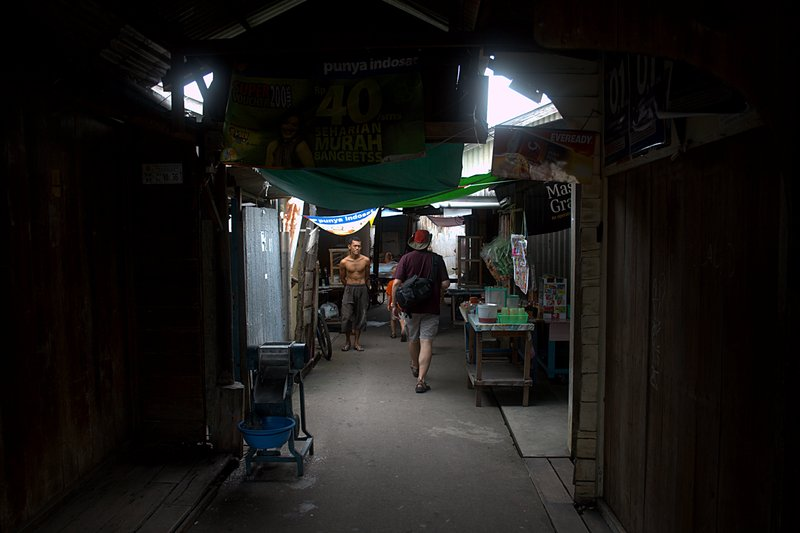 jun 08 4645 chinatown alley