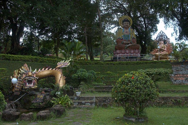 jun 08 4670 buddist temple