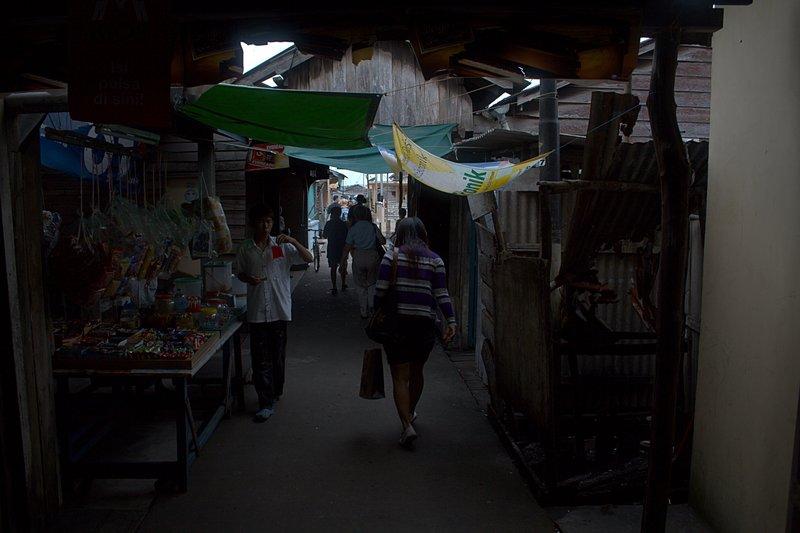 jun 08 4696 alley shops