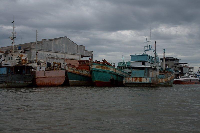jun 08 4717 colorful dock