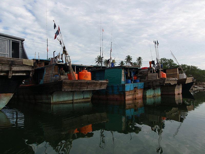 jun 09 0723 fishing reflections