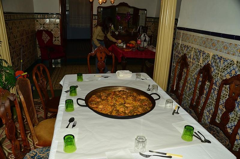 mar 04 6912 paella served