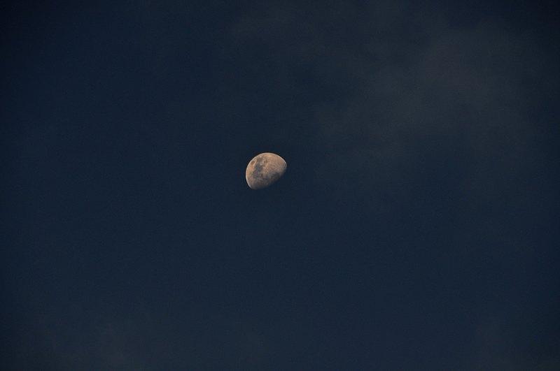 mar 06 4023 afternoon moon
