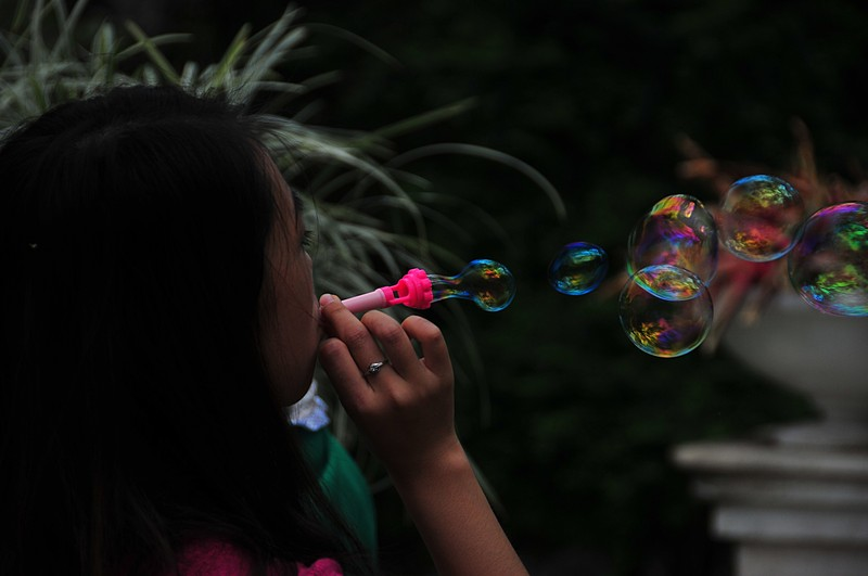 mar 06 9570 blowing bubbles