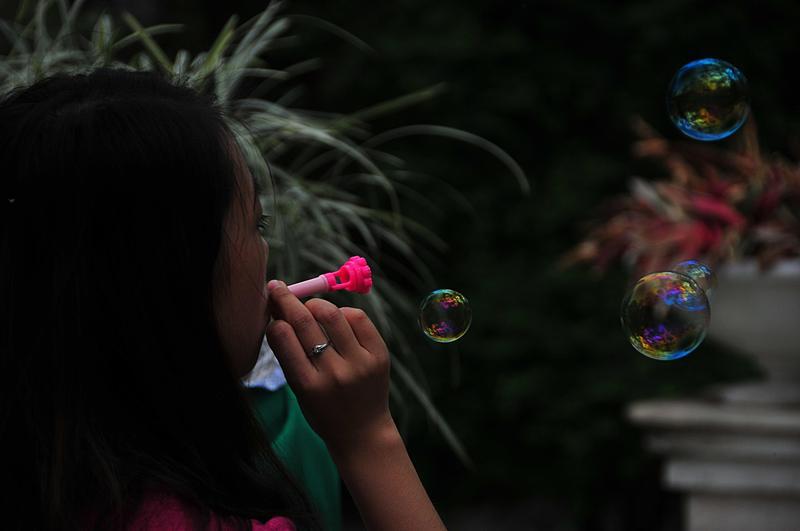 mar 06 9572 blowing bubbles