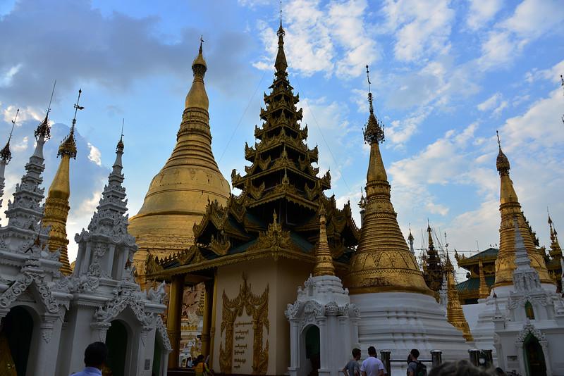 mar 07 0383 Shwedagon Pagoda