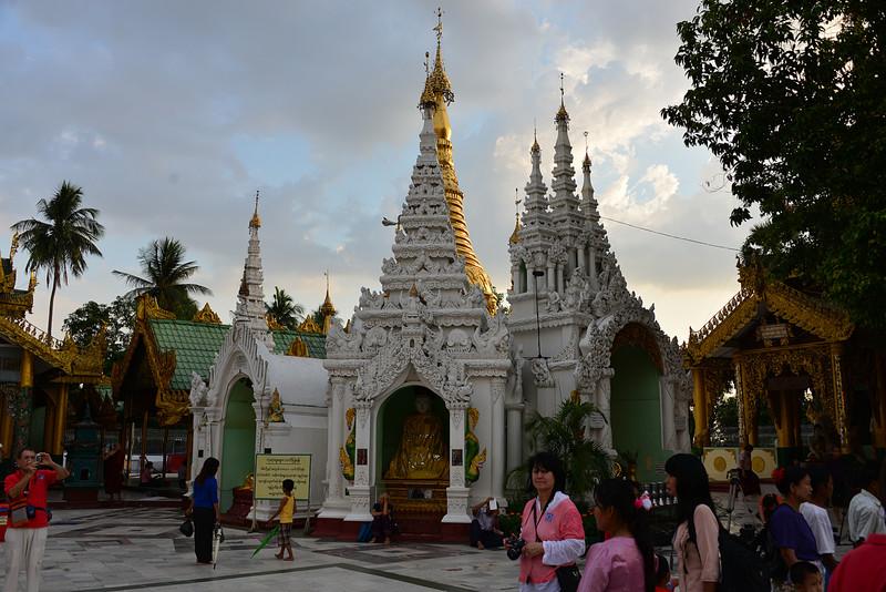 mar 07 0435 pagoda gold