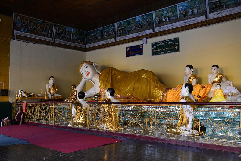 mar 07 0460 lying buddha