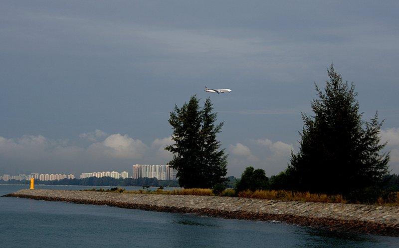 mar 07 0542 sq landing
